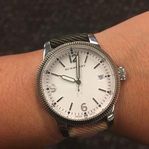 💯✅ Authentic Burberry Swiss Watch